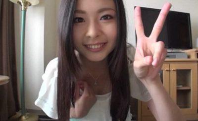 素人さん個人撮影。ヤバイ、、可愛すぎる19歳の女子大生とハメ撮り投稿!いい顔で挿入されてる!