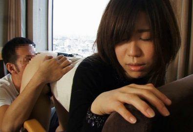 「舞ワイフ」人妻_石川明歩さん(25歳)の浮気ハメ撮り!会ったばかりの男に黒のTバックを脱がされる寂しい人妻!