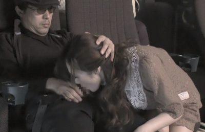 痴●映画館 「奥さん、本当に痴漢されるの好きなんだな…」映画館でフェラまで強要された人妻が羞恥に萌える!