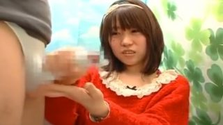 素人のCFNM 赤面手コキ 不安そうな顔で手コキするうぶな素人娘!ザーメン発射する瞬間を初めて目撃し恐れおののく…