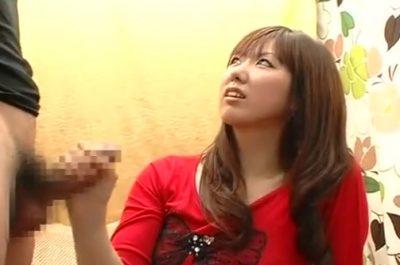 赤面手コキ「やばいですか?」手コキしてた20歳の娘さんが暴発で飛び出したザーメンに思わず悲鳴!!